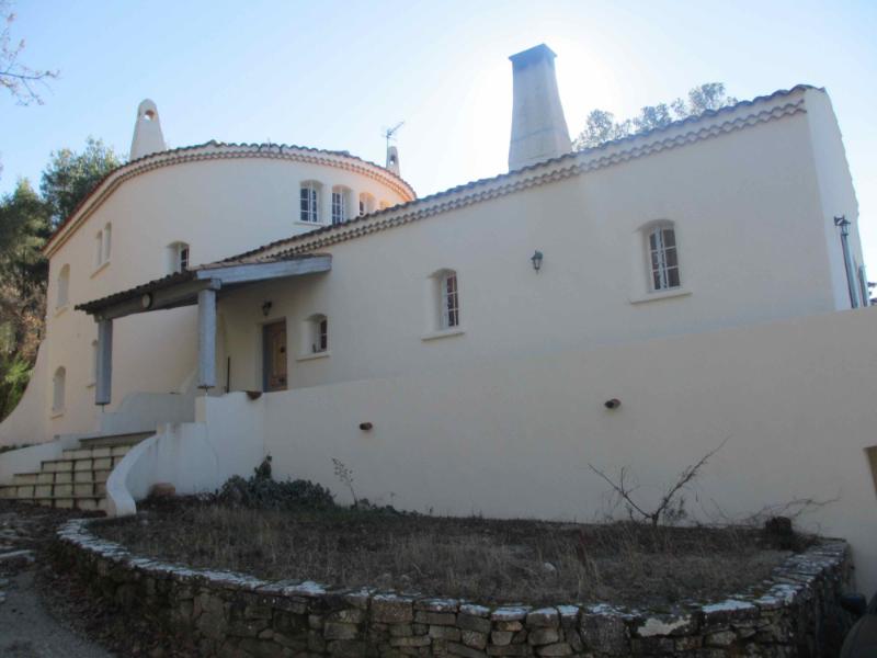 Massif-contemporain-jardin-sec-Entrée-Droite-Toscane